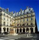 Hotel_regina_paris_place_des_pyra_3
